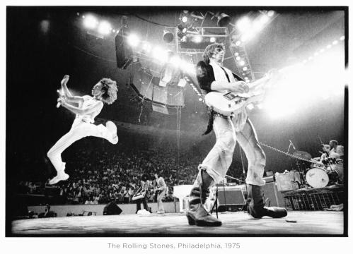The-Rolling-Stones-Philadelphia-1975-by-Annie-Leibovitz